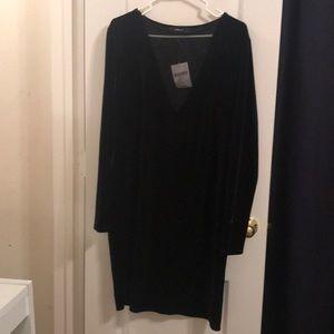 Black deep v body con dress